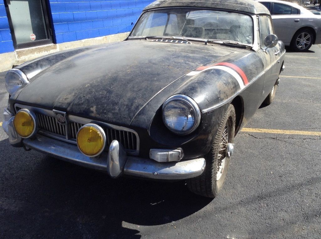 1967 MG MGB barn find