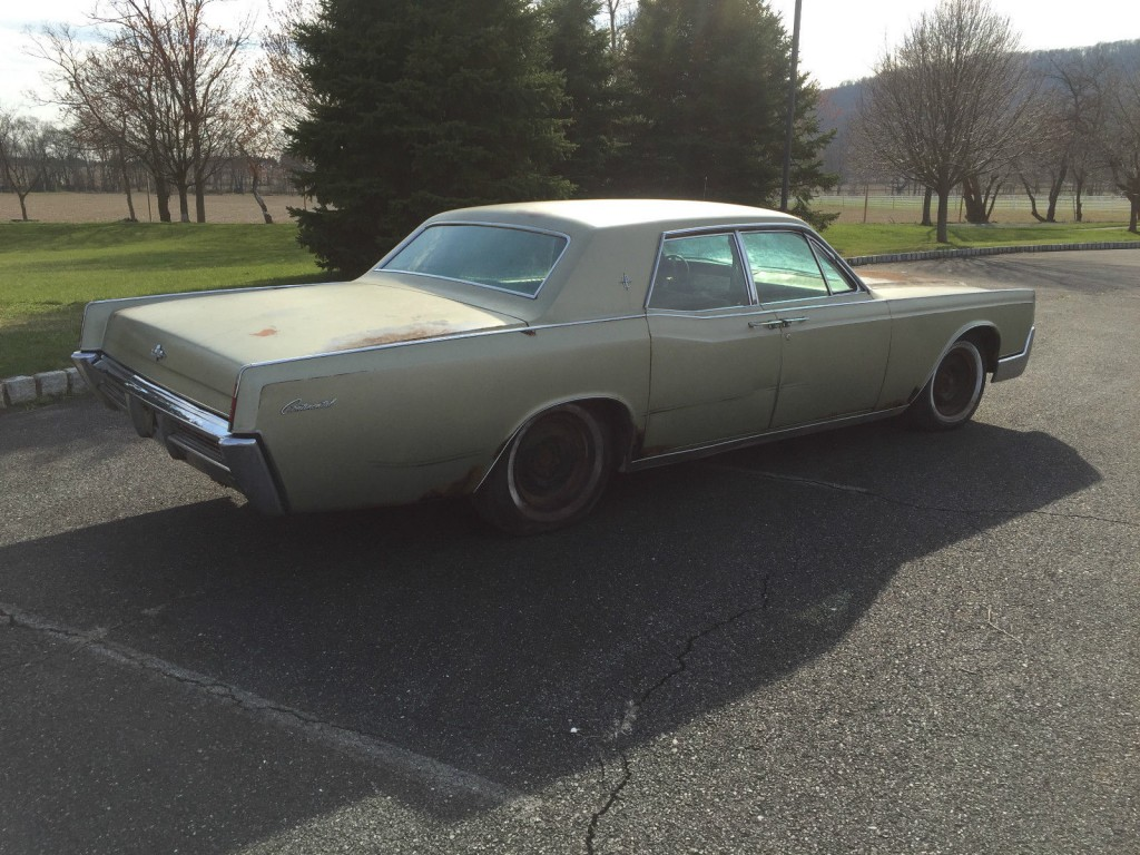 1967 Lincoln Continental barn find