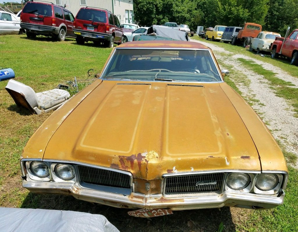 1970 Oldsmobile Cutlass Rare F85 post Manual Floor Shift barn find