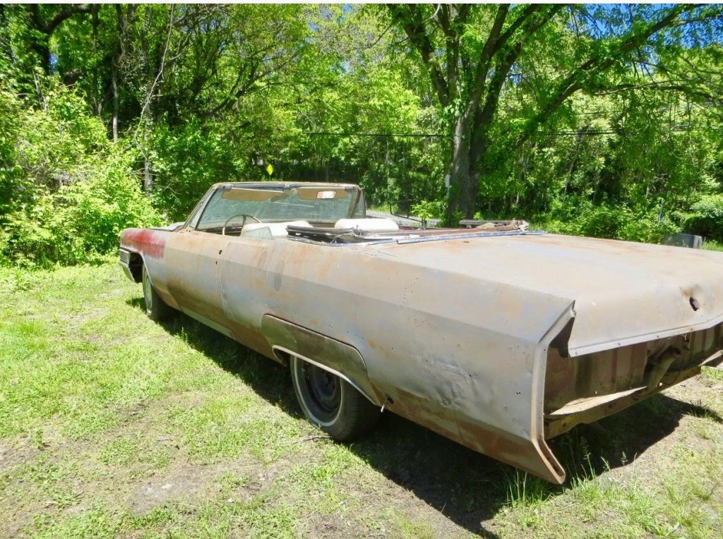 Rusty 1965 Cadillac Deville Series 62 Solid barn find