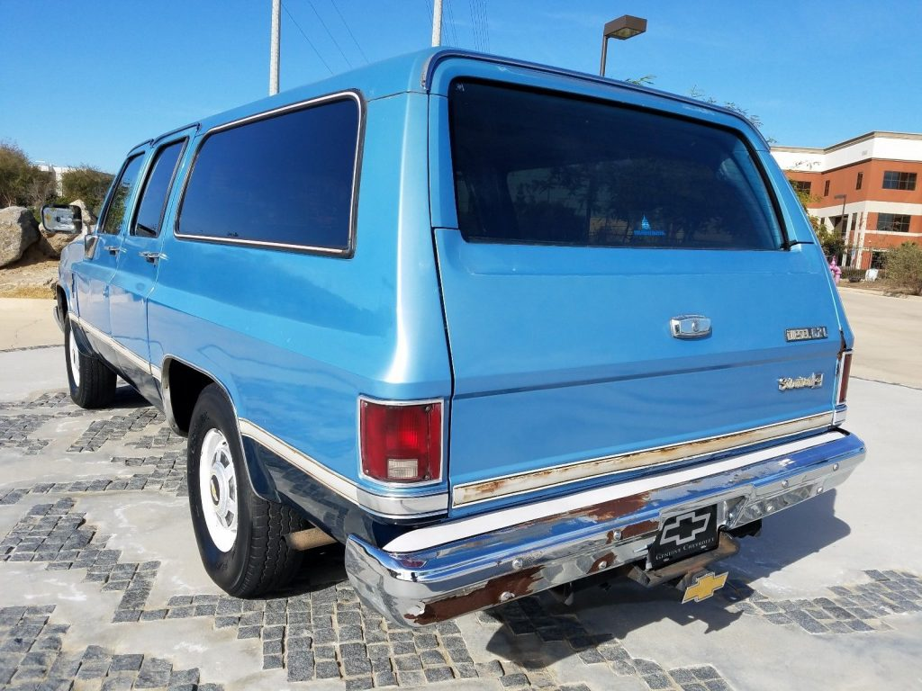 1984 Chevrolet Suburban – in very good condition