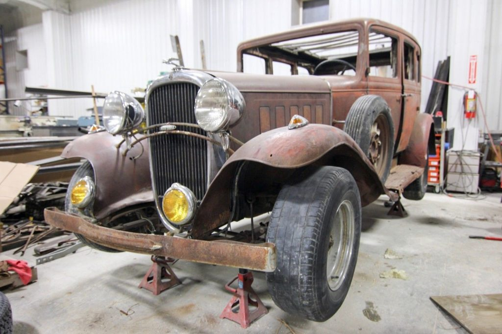 1932 Oldsmobile F32 Barn Find