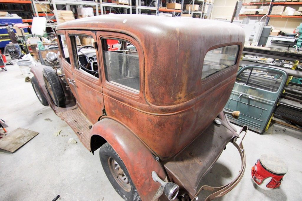 1932 Oldsmobile F32 Barn Find