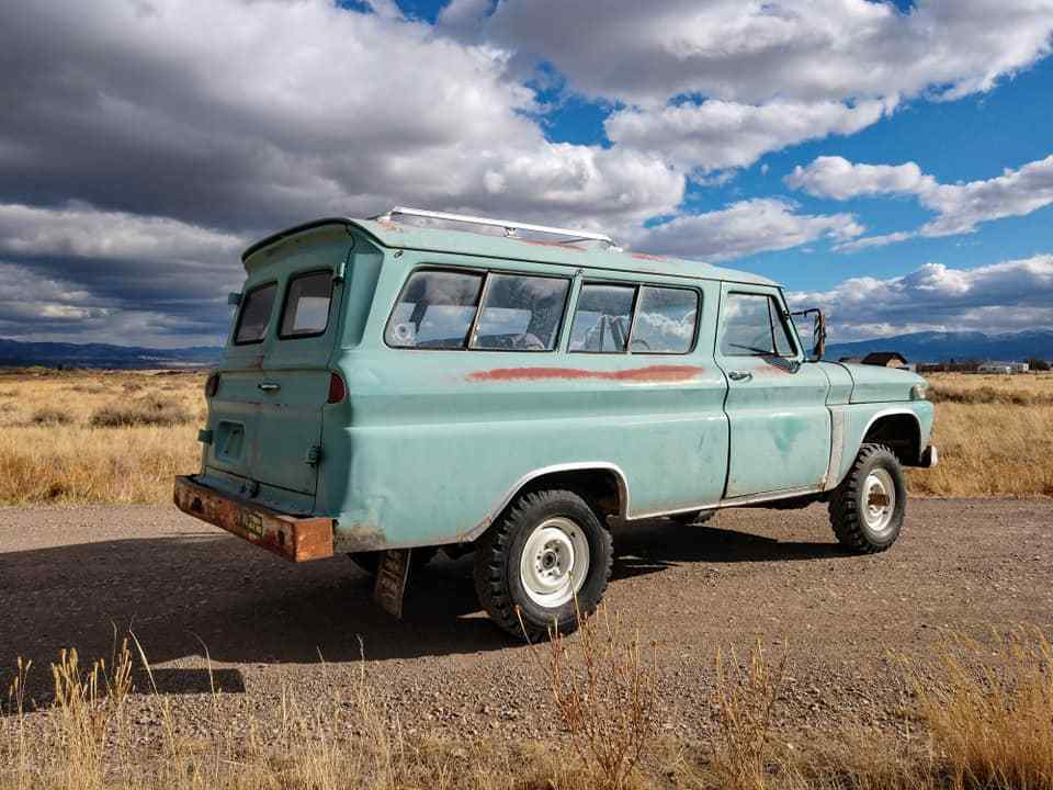 1965 GMC Suburban Custom Rare Factory 4×4 barn find survivor
