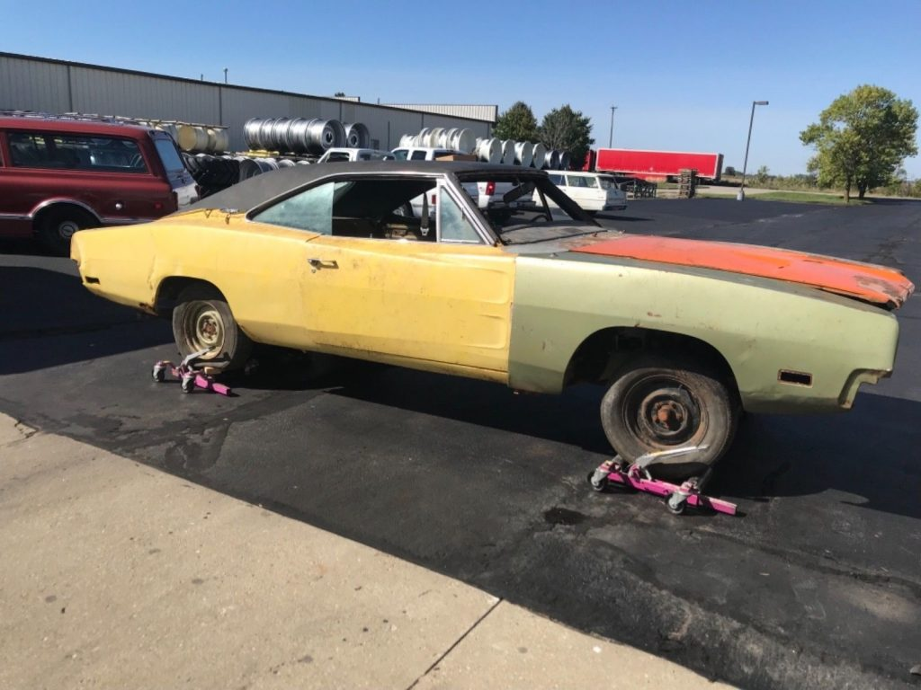 1970 Dodge Charger Project with Parts barn find