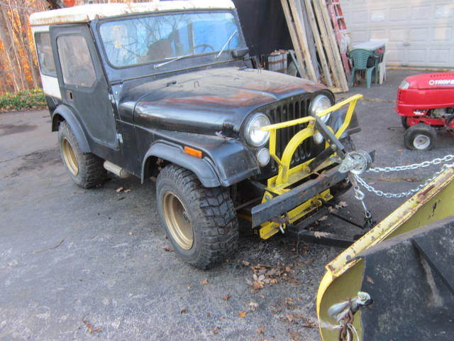 1971 Willys Jeep v6 with plow