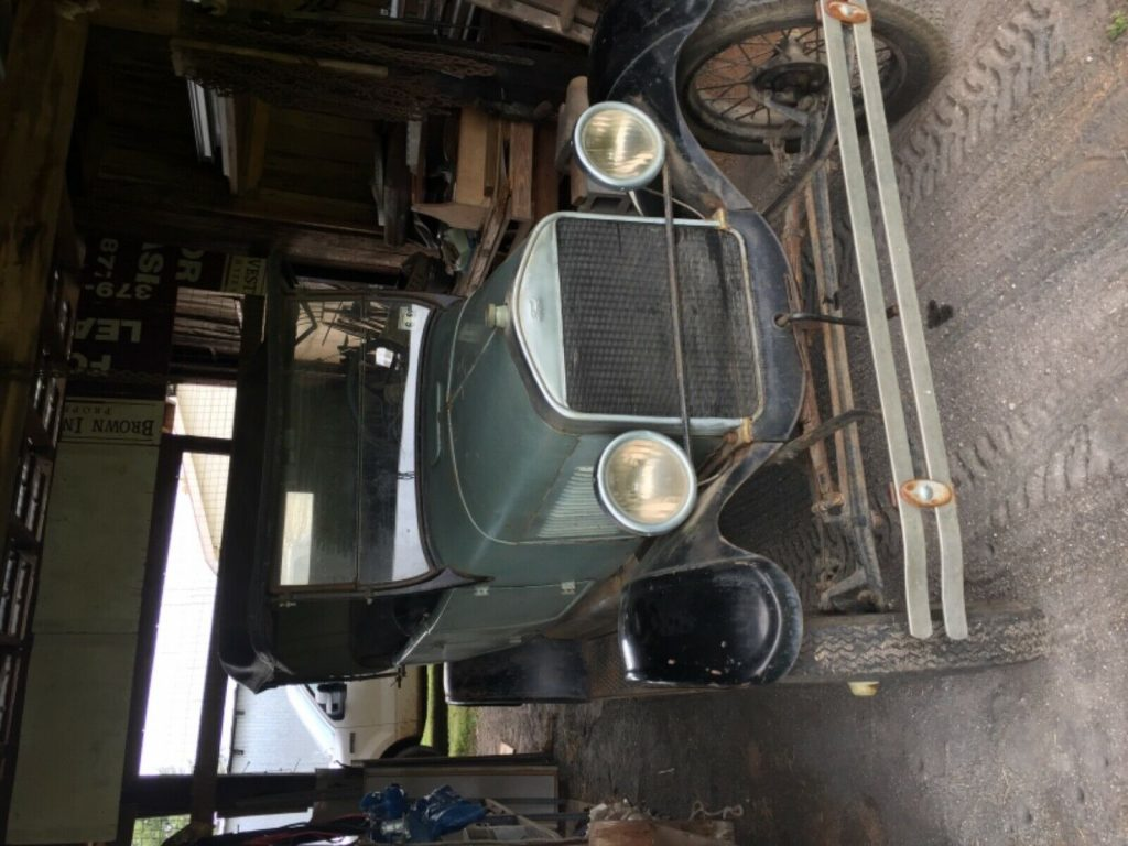 1927 Ford Model T barn find