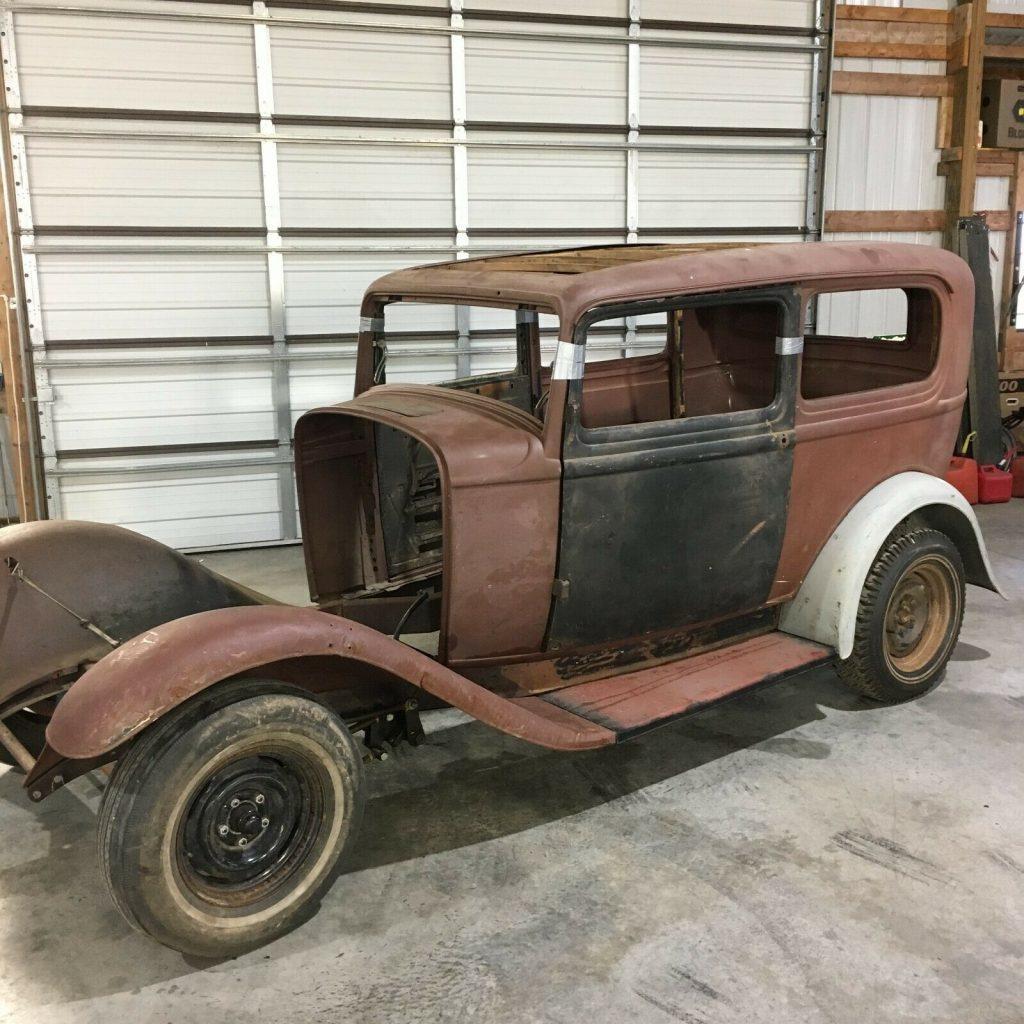 1932 Ford Sedan Original barn find